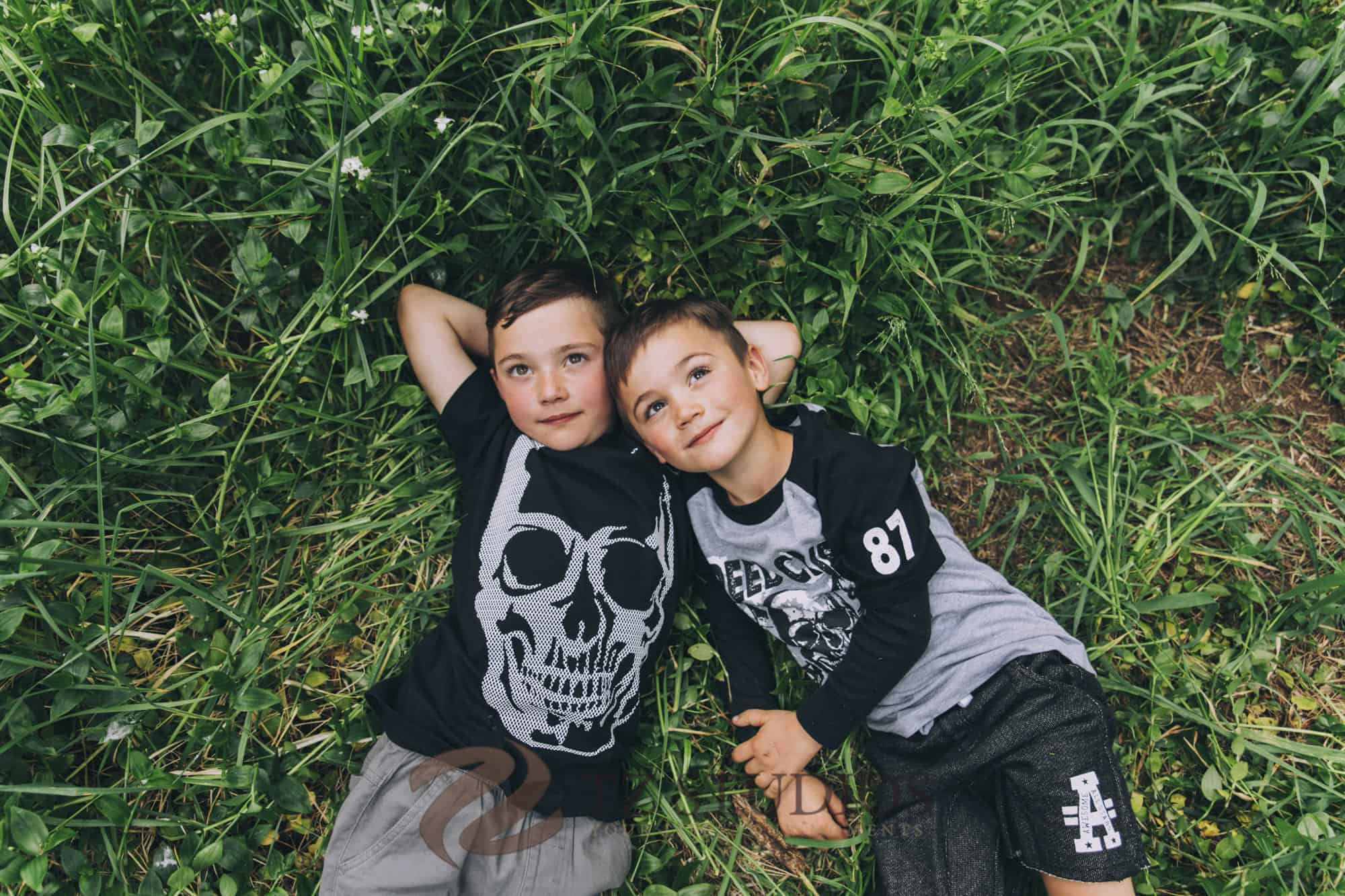 Manawatu children portrait photography by Binh Trinh with these two awesome brothers
